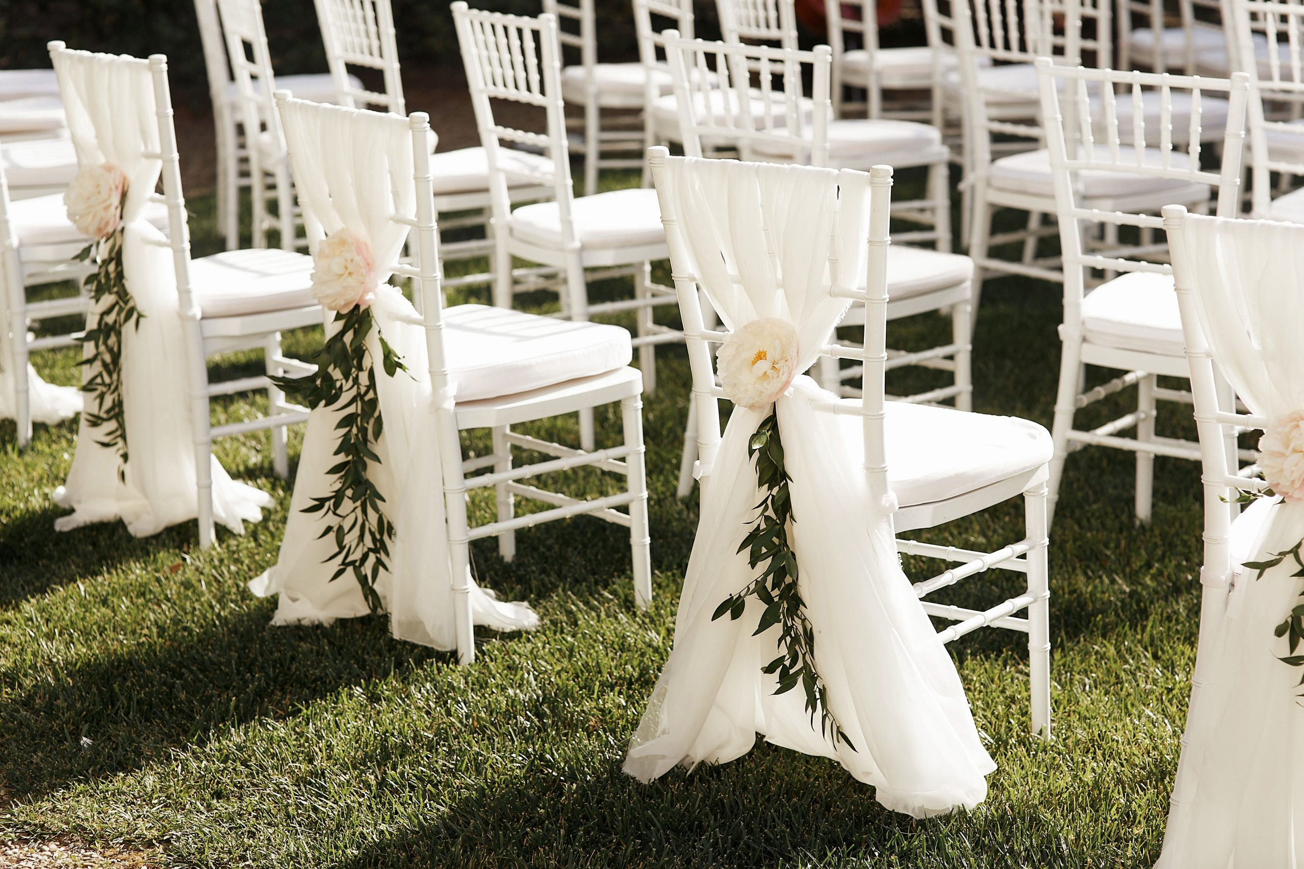 White-Drape-Wedding-Decoration-Chair